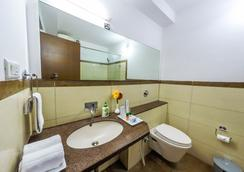 Hill View Guest Houses-Hi Tech City - Hyderabad - Bathroom