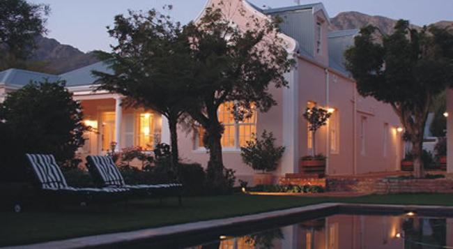 Les Chambres Guest House - Franschhoek - Building