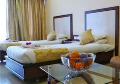 The Hans Hotel - Hubli - Bedroom