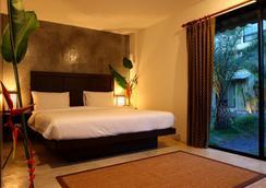Taro Hotel - Kamala - Bedroom