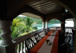 Blue Crystal Beach Resort - Puerto Galera - Restaurant