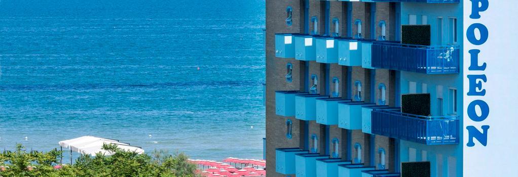 Hotel Napoleon - Pesaro - Building