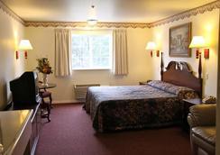 Lighthouse Inn - Crescent City - Bedroom