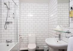 Kings Hotel - Brighton - Bathroom