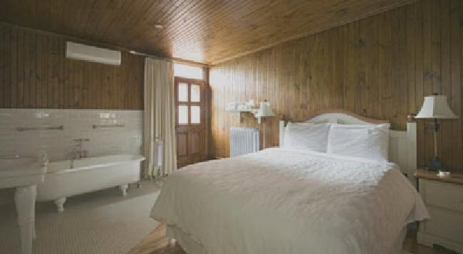 Alexandre Logan 1870 B&B - Montreal - Bedroom