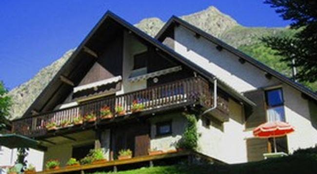 Chalet Michelle - Les Deux Alpes - Building