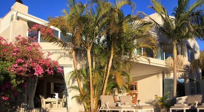 Ocean Watch Guest House - Plettenberg Bay - Building