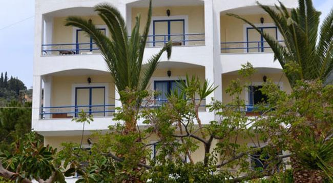Valente-perlia Rooms - Poros (Attica) - Building