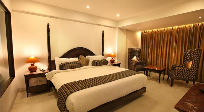 EllBee Ganga View - Rishikesh - Bedroom