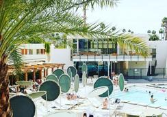 Ace Hotel and Swim Club - Palm Springs - Pool