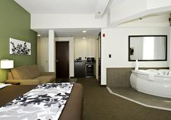 Sleep Inn & Suites Downtown Inner Harbor - Baltimore - Bedroom
