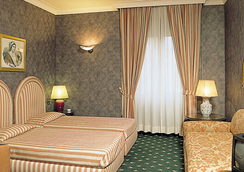 Grand Hotel Olympic - Rome - Bedroom