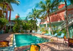 Lighthouse Resort Inn And Suites - Fort Myers Beach - Pool