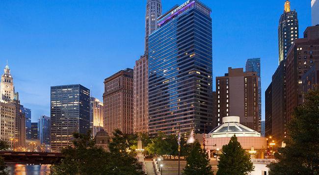 Wyndham Grand Chicago Riverfront - Chicago - Building