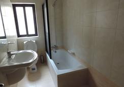 Euroclub Hotel - Qawra - Bathroom