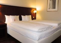 Motel Plus Frankfurt - Frankfurt am Main - Bedroom