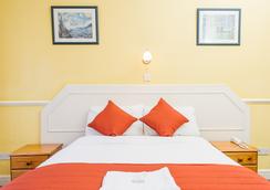 Oxford Hotel - London - Bedroom