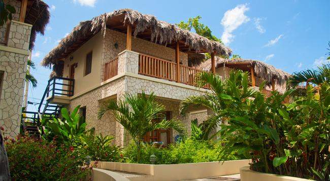The SPA Retreat Boutique Hotel - Negril - Building