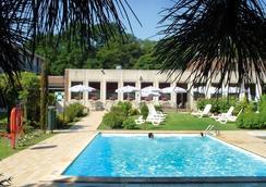 Leonardo Hotel Brugge - Bruges - Pool