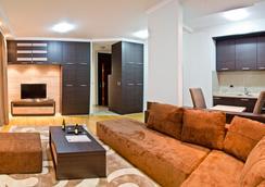 Apart Hotel K - Belgrade - Living room
