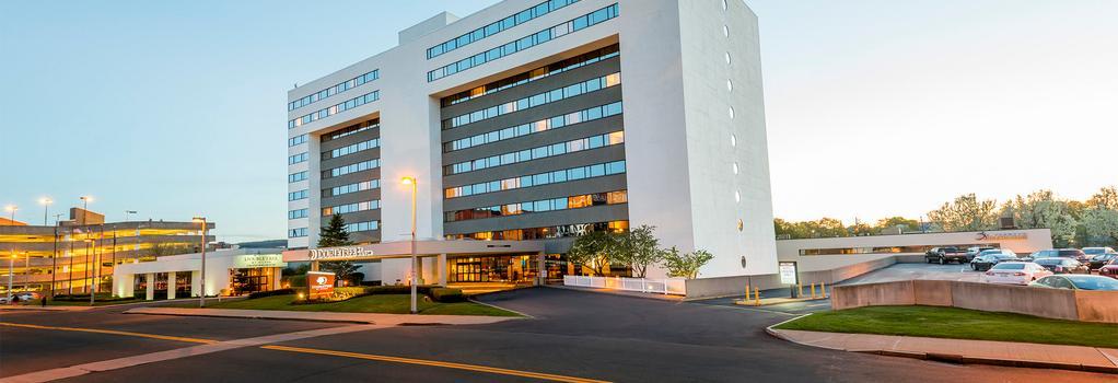 DoubleTree by Hilton Binghamton - Binghamton - Building