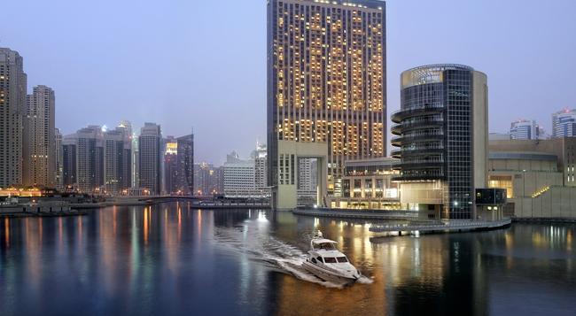 Address Dubai Marina - Dubai - Building