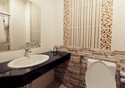 Excella Hotel - Ubon Ratchathani - Bathroom