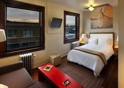 Commodore Hotel - Astoria - Bedroom