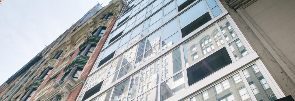 Hotel 32 32 - New York - Building