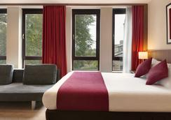 Ramada Hounslow - Heathrow East - Hounslow - Bedroom