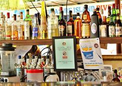 Treasure Island Resort - Olongapo - Bar