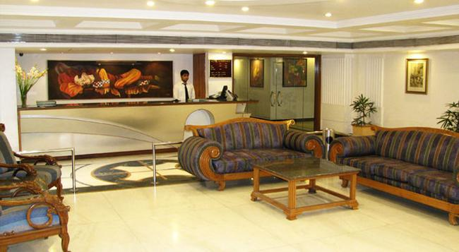 Hotel Lawrence - Amritsar - Front desk