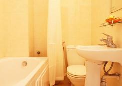 Hanoi Gate 1 Hotel - Hanoi - Bathroom
