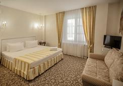 Villa Marina Hotel - Krasnodar - Bedroom