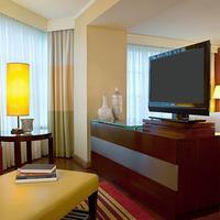 Renaissance Charlotte SouthPark Hotel Guest room