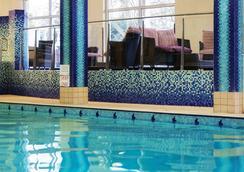 Fitzpatrick Castle Hotel - Dublin - Pool
