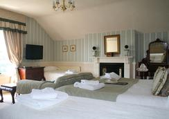 Cranleigh - Bath - Bedroom