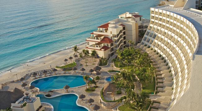 Grand Park Royal Cancun Caribe - Cancun - Building