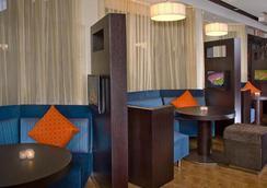 Courtyard by Marriott Dallas Plano Parkway at Preston Road - Plano - Lounge