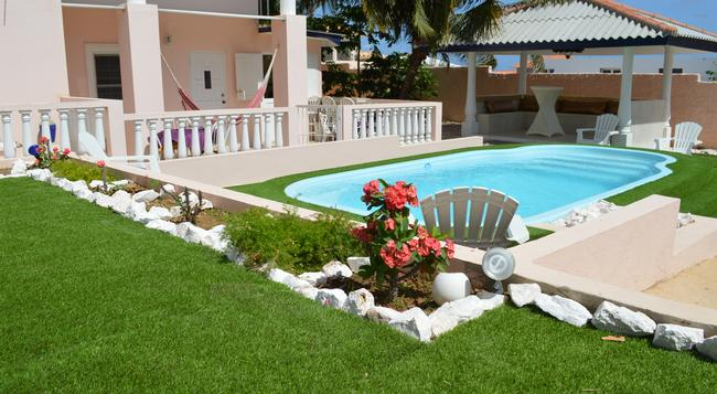 Adonai Hotel Boutique Bed & Breakfast - Willemstad - Pool