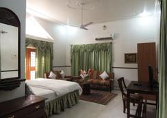 Kunjpur Guest House - Allahabad - Bedroom
