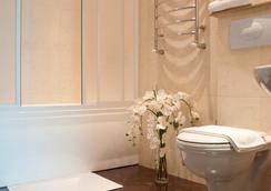 Platinum Hotel - Chisinau - Bathroom