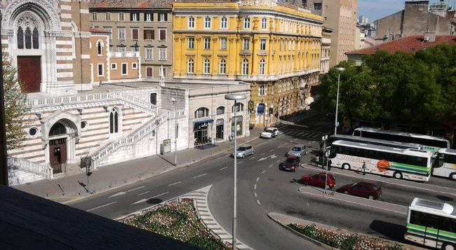 Rooms Aston - Rijeka - Outdoor view