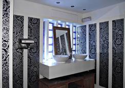 New Cosmopolitan Hotel - Brighton - Bathroom