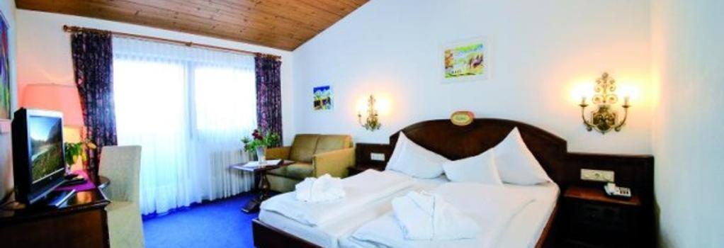 St. Peter Hotel & Chalets - Seefeld - Bedroom