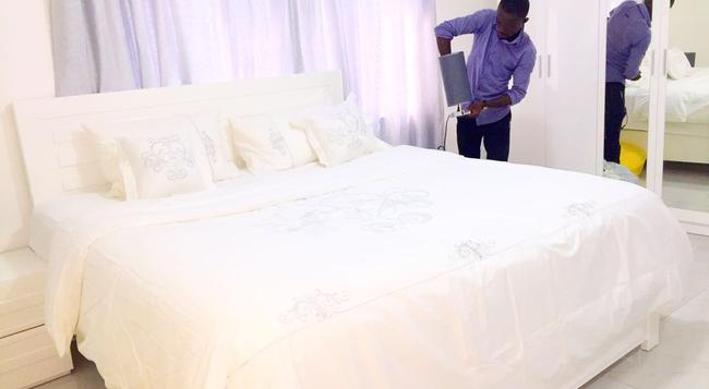 Empire State Hotel - Accra - Bedroom