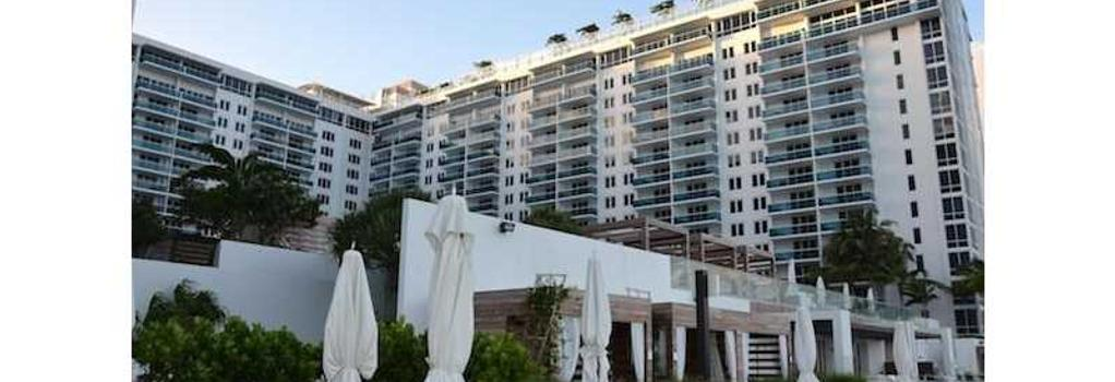 Roney Palace Apartments by Royal Stays - Miami Beach - Building