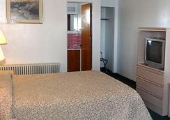 Columbia Inn - Astoria - Bedroom