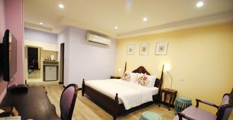 Focal Local Bed and Breakfast - Bangkok - Bedroom