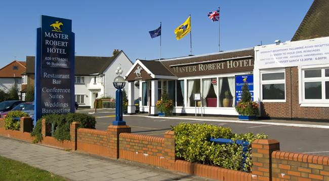 The Master Robert Hotel - Hounslow - Building